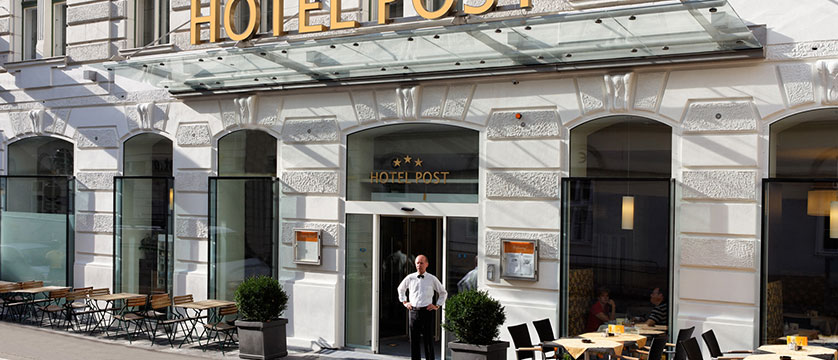 Hotel Post, Vienna, Austria - entrance.jpg